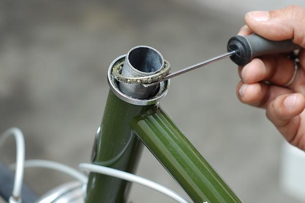 ล้าง ถ้วยคอ เปลี่ยนน้ำมัน จารบี ตั้งความตึงของคอจักรยานใหม่